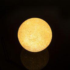 LED kristály hógolyó - 8 cm - Színes